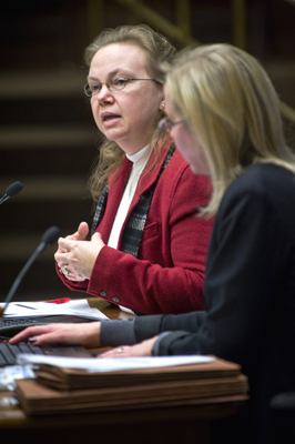 Misty Sato, left, Campbell Chair for Innovation in Teacher Development at the University of Minnesota, and Karen Balmer, executive director of the Board of Teaching, give the House Education Reform Committee a teacher performance assessment overview Jan. 25. (Photo by Tom Olmscheid)