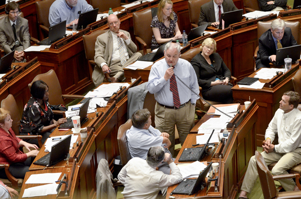 Rep. Lyndon Carlson Sr. speaks about the omnibus tax bill during the July 19 special session. (Photo by Andrew VonBank)